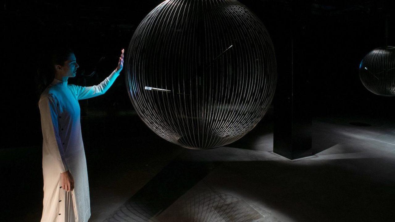 照明? テーブル? ソニーがミラノで見せたロボットの新しい形