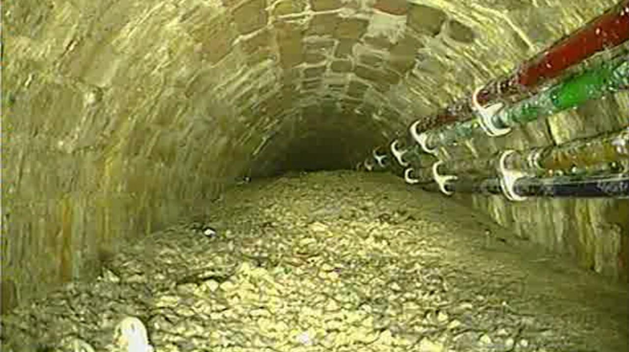 ロンドンの下水にスタジアム長の巨大コンクリ塊。どっかのアホが流して固まる