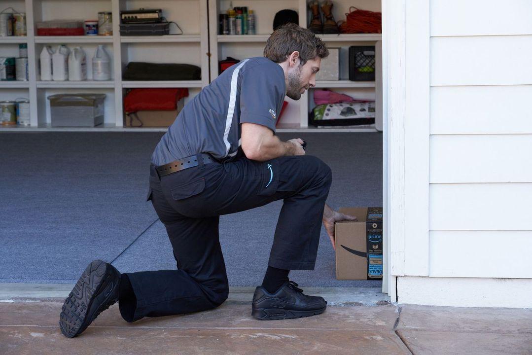 Amazon、不在時に荷物をガレージの中に配達してくれるサービスを開始