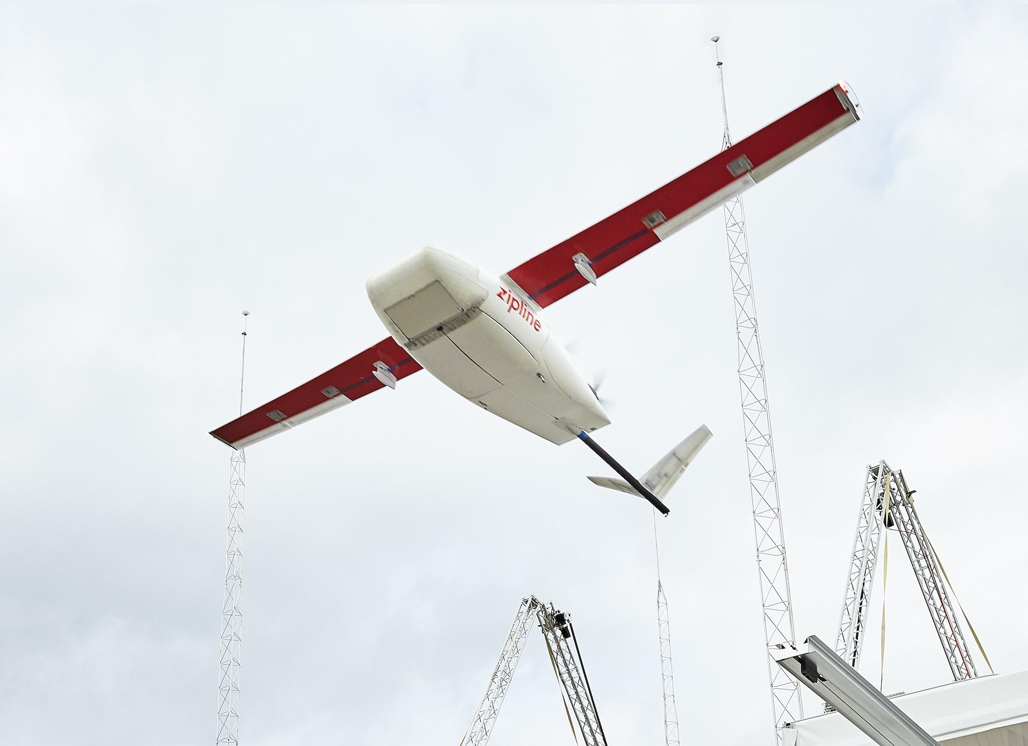 1日最大600便。ガーナで医療品を投下するドローン運用開始