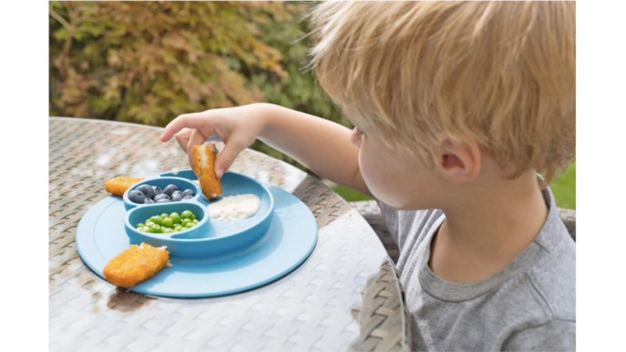 このベビー食器ならひっくり返る心配ナシ! ママも子供も安心して食べられるね