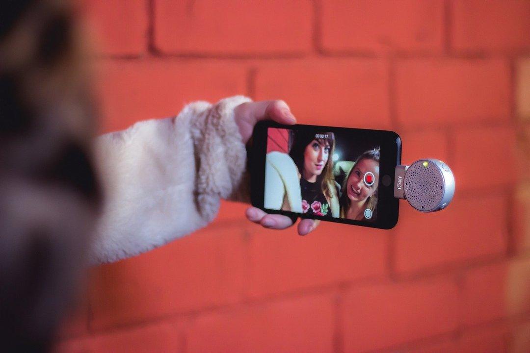 ウルトラ手軽な3D録音マイクはいかが? iPhone用小型マイク「Lolly Digital 3D mic」が、なななんと50%OFFセールに
