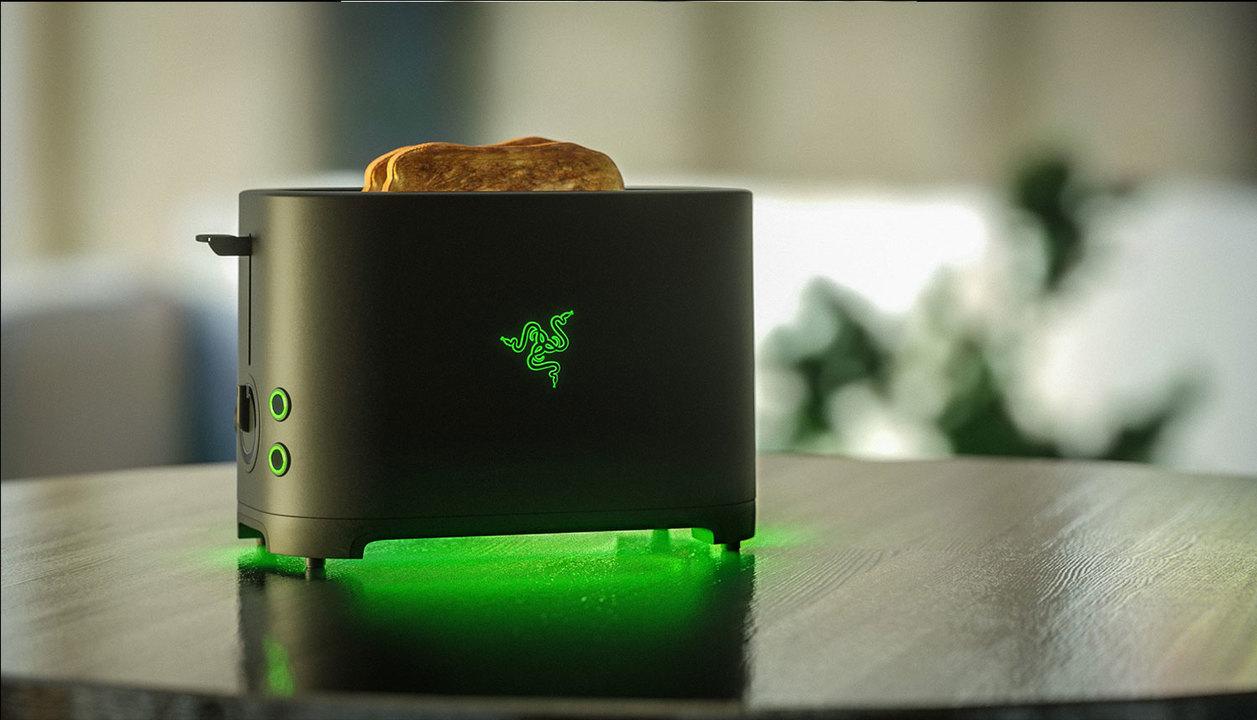Razerのトースターがホントに開発へ。ゲーミングメーカーのウソから出た真