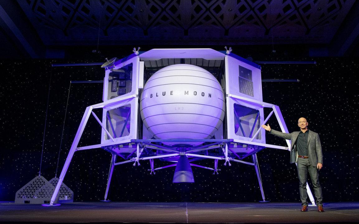月面着陸船BLUE MOON! Amazon CEOベゾスの宇宙事業Blue Originが発表。2024年までに月面の有人探査もしたい