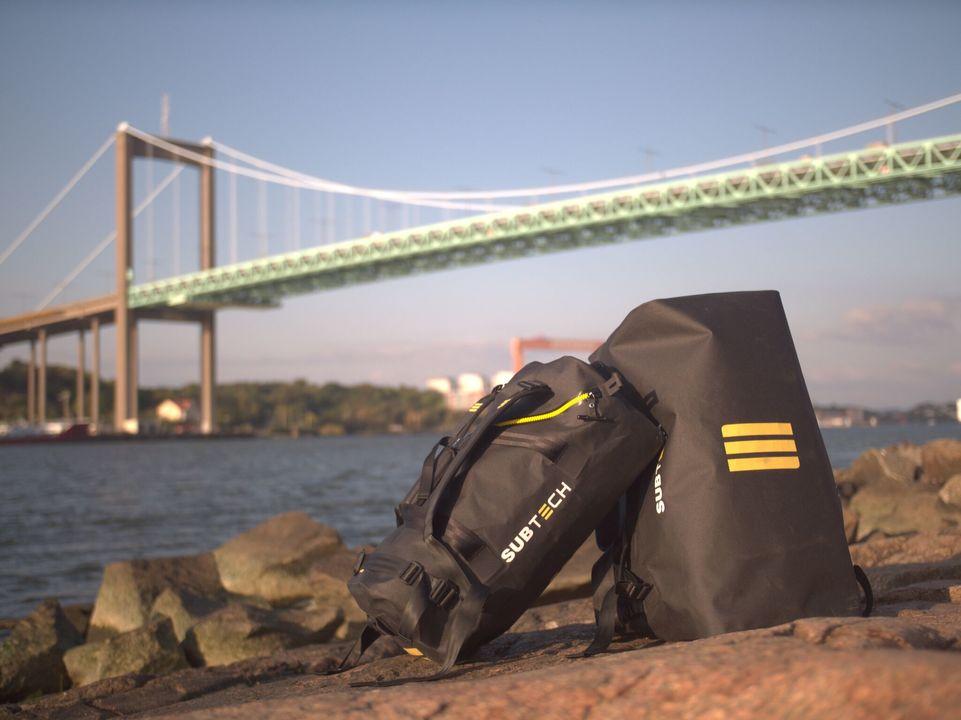完全防水で頑丈、大容量なのに軽い! どこへ行くにも役立つアウトドアバッグ「SUBTECH PRO DRYBAG」があと1日で終了