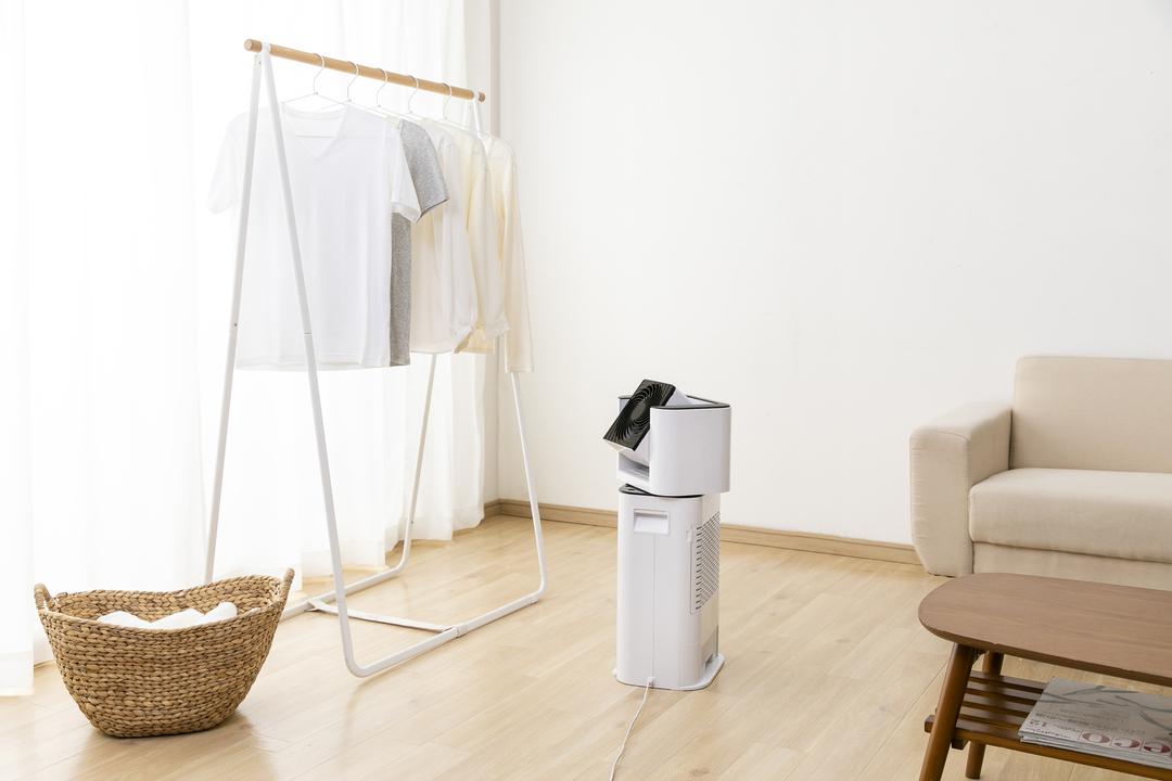 部屋干しの秘密兵器。「サーキュレーター+除湿機」のキメラ家電