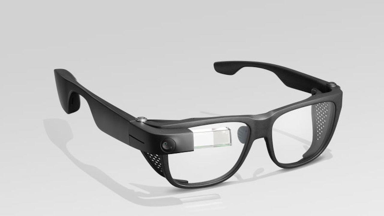 おかえりGoogle Glass! 2年ぶりの新型はよりメガネらしく