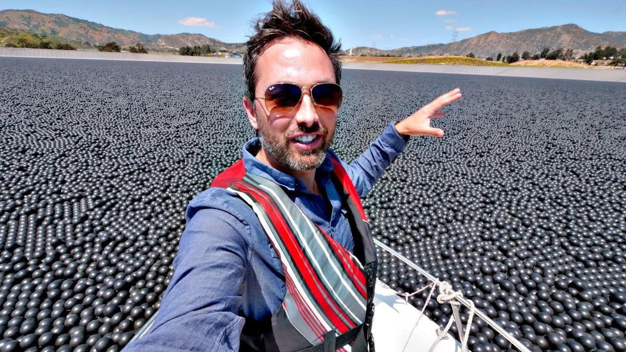 ロサンゼルスの貯水湖に96,000,000個の黒いボール。なんで?