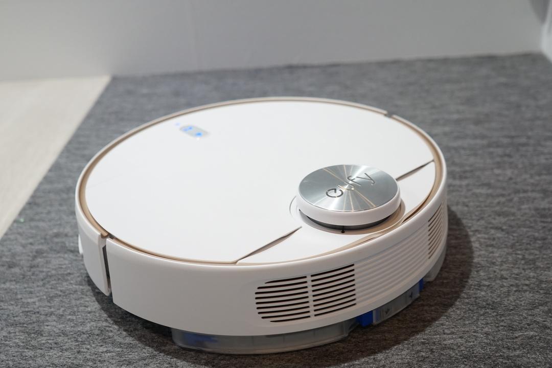 水拭き+マッピング。無敵の布陣のロボット掃除機「RoboVac L70 Hybrid」