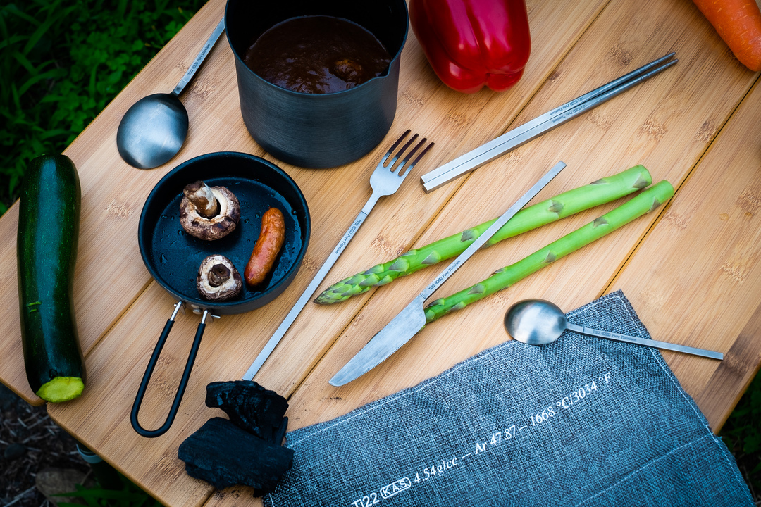 アウトドアで大活躍!純チタンカトラリー「Ensō」は外での食事をこんなに便利にしてくれた