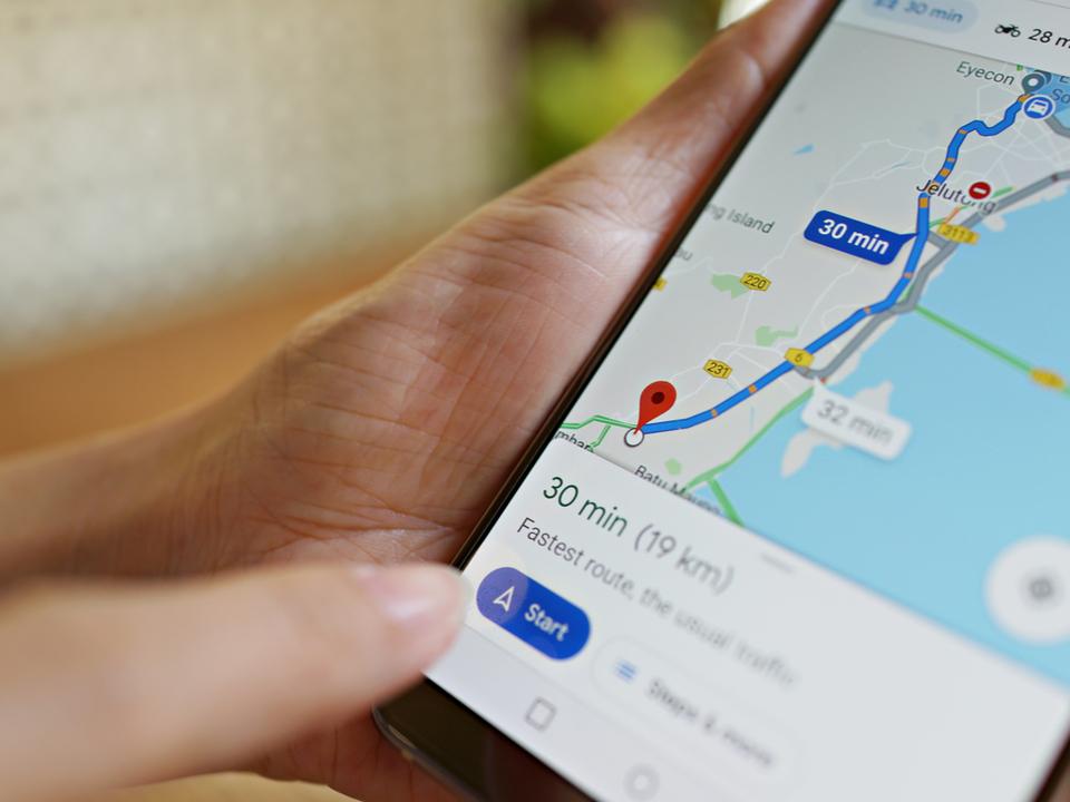 Google マップでタクシーの遠回り警告機能がテスト中みたい