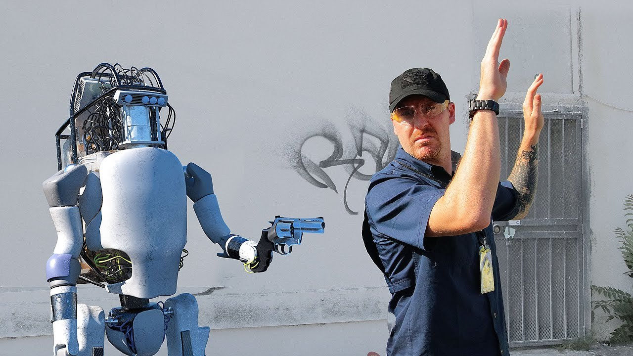 「Bosstown Dynamics」によるロボットのストレステスト。しかし、結末は衝撃的だ!