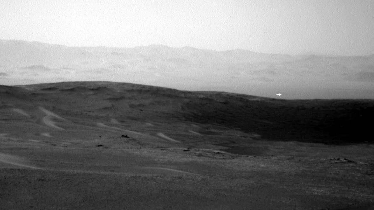 キュリオシティが火星で捉えた謎の発光体。その正体は…?