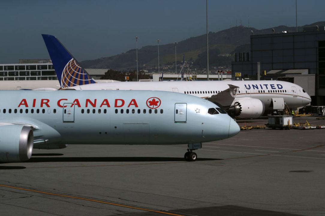 飛行機で寝過ごした!? カナダの航空会社が乗客を機内に取り残すミス