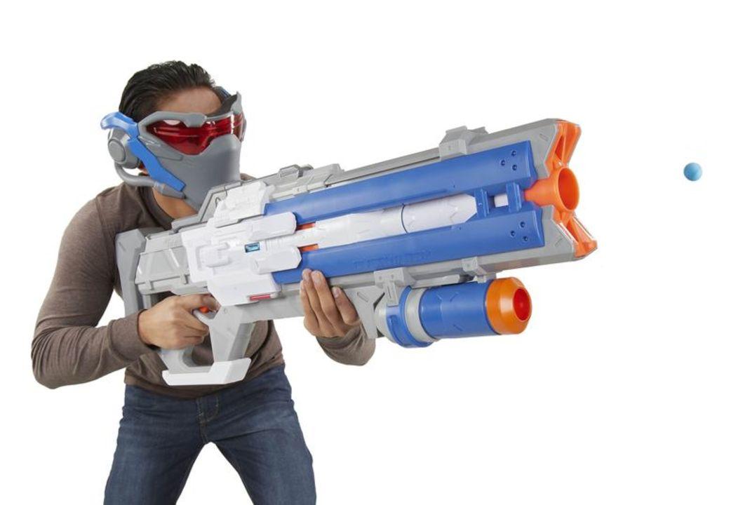 NERFからゲーム『オーバーウォッチ』の「Soldier 76 Blaster」が登場。タクティカル・バイザー付き!