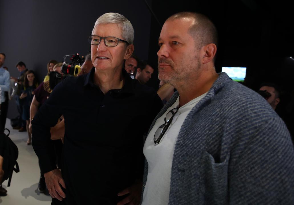 ジョニー・アイブ去るの報で、一気にアップル株下落…1兆円近くも吹っ飛ぶ!
