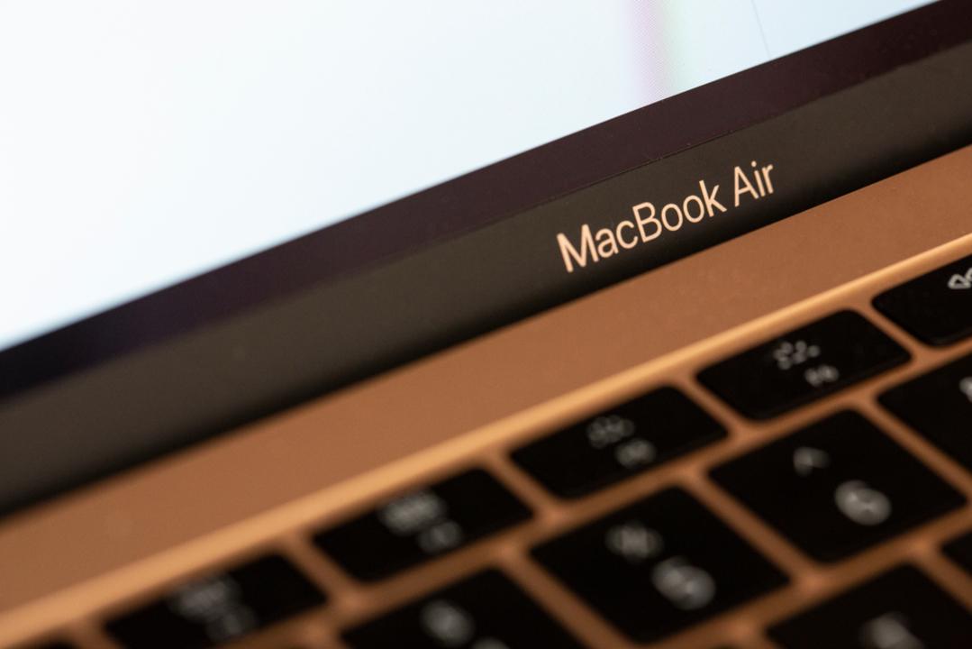 最新モデルがぁ...。MacBook Air(2018)のロジックボードに不具合?