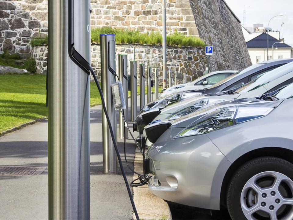 EUの電気自動車に人工的な騒音「フェイク・ノイズ」が加えられることに