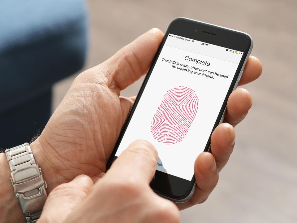 「ディスプレイで指紋認証できるiPhone」の情報再び。中国専用モデルになる?