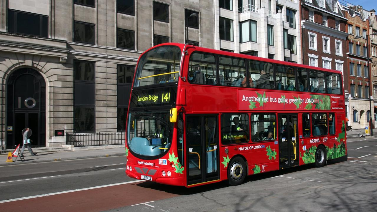 近い未来、ロンドンの電動バスは歌いながら走るようになる