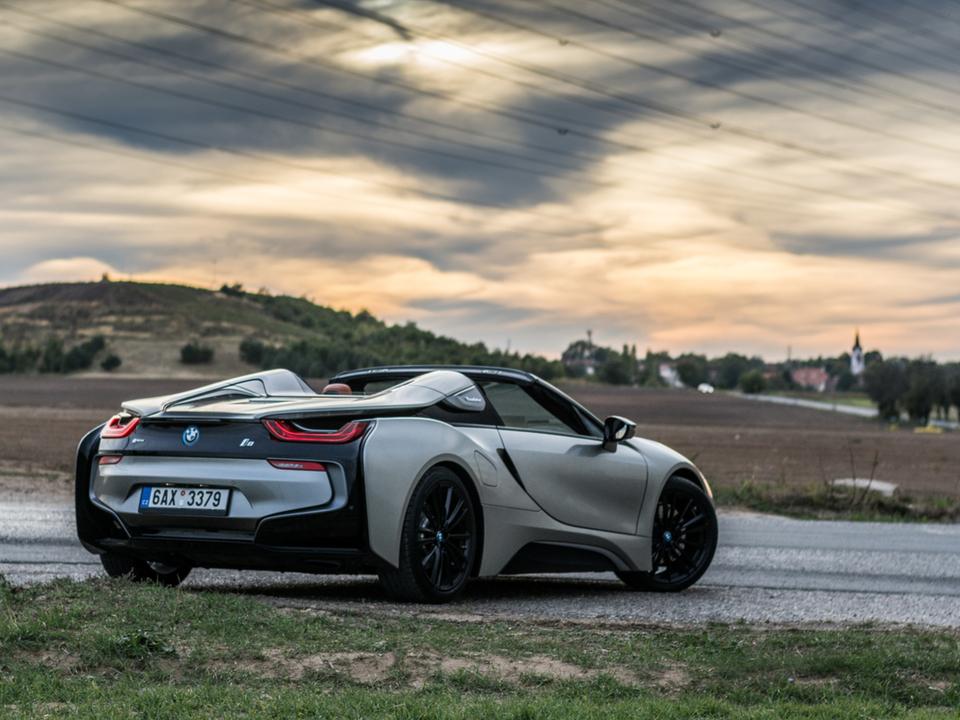 BMW「ディーゼル車はあと20年、ガソリン車はあと30年続くよ」
