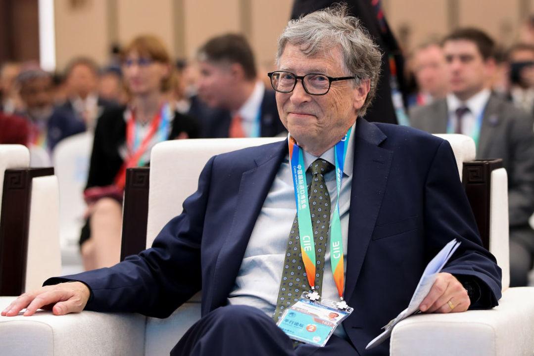 ビル・ゲイツ「ジョブズは人を魅惑する魔法を使ったよね」と絶賛