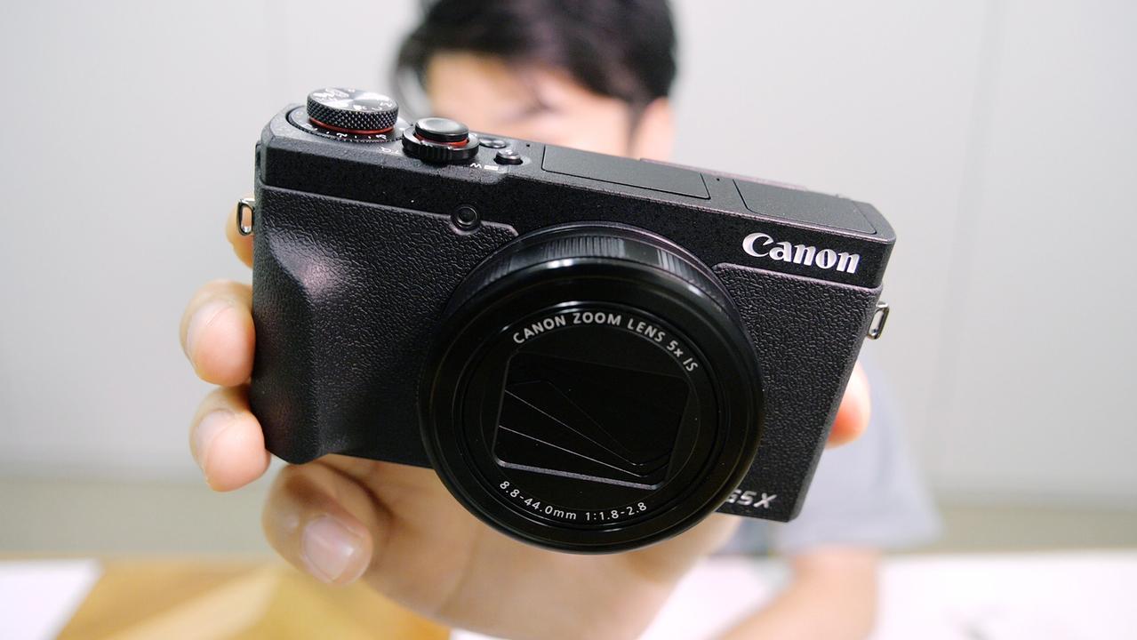 10万円の価値あるわ…。キヤノンの新型コンデジ「PowerShot G5 X Mark II」はポケットに入るカメラのなかで、一番気持ちいい【動画ハンズオン】