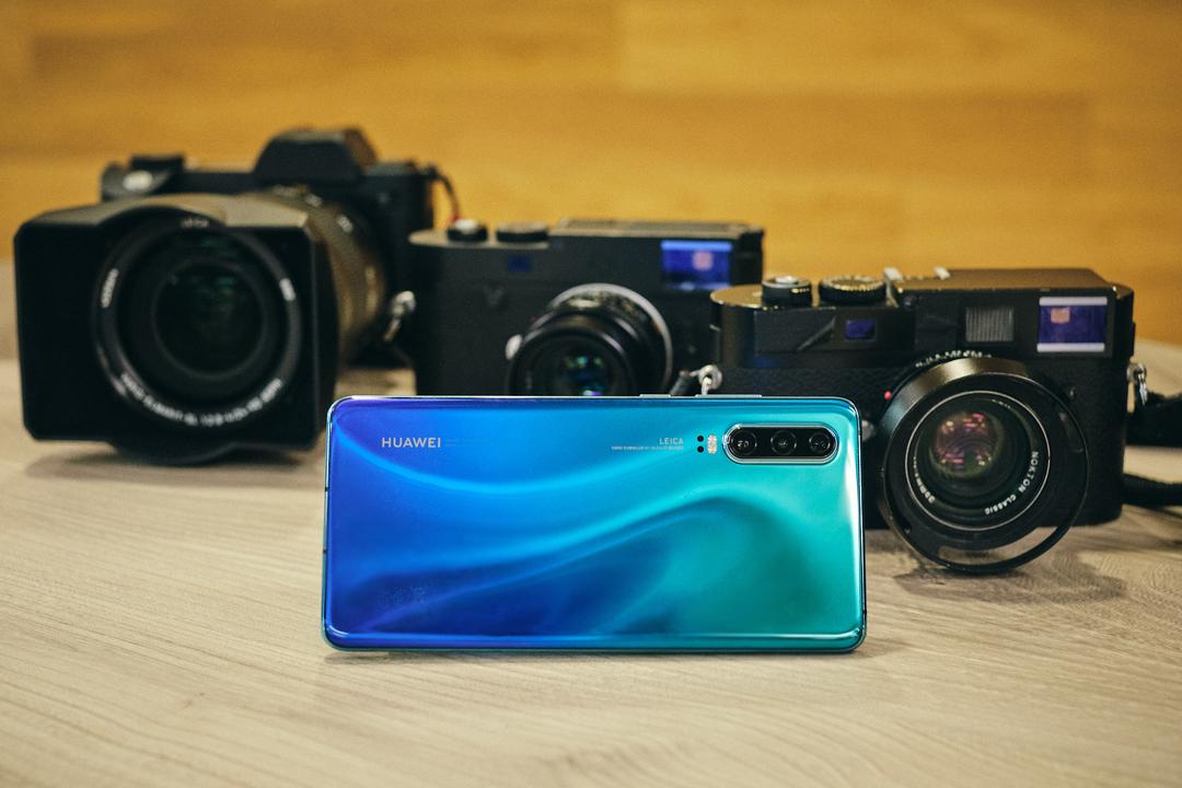 「未来のカメラはスマホ化する?」Leica搭載スマホから見えるもの
