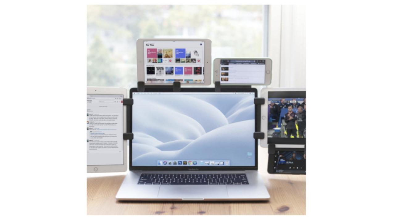 MacBookにiPhoneやiPadを装着できる便利グッズ「Mountie+」