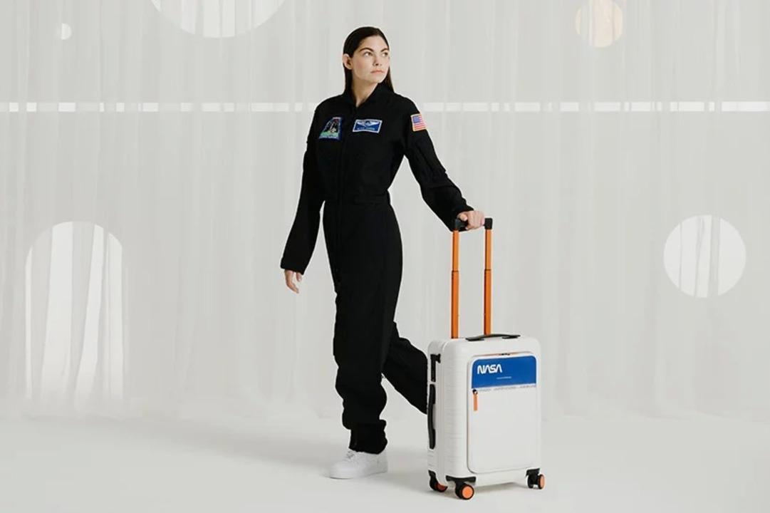 18歳の宇宙飛行士候補がデザインした宇宙旅行用スーツケース