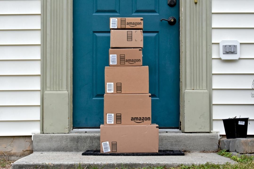 ハードル高! 米アマゾンのトランクに荷物を置いてくれる配達システムは選ばれし消費者へのサービスだった