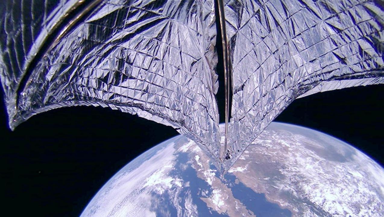 太陽帆を広げたライトセイル2号が持つポテンシャルよ...!