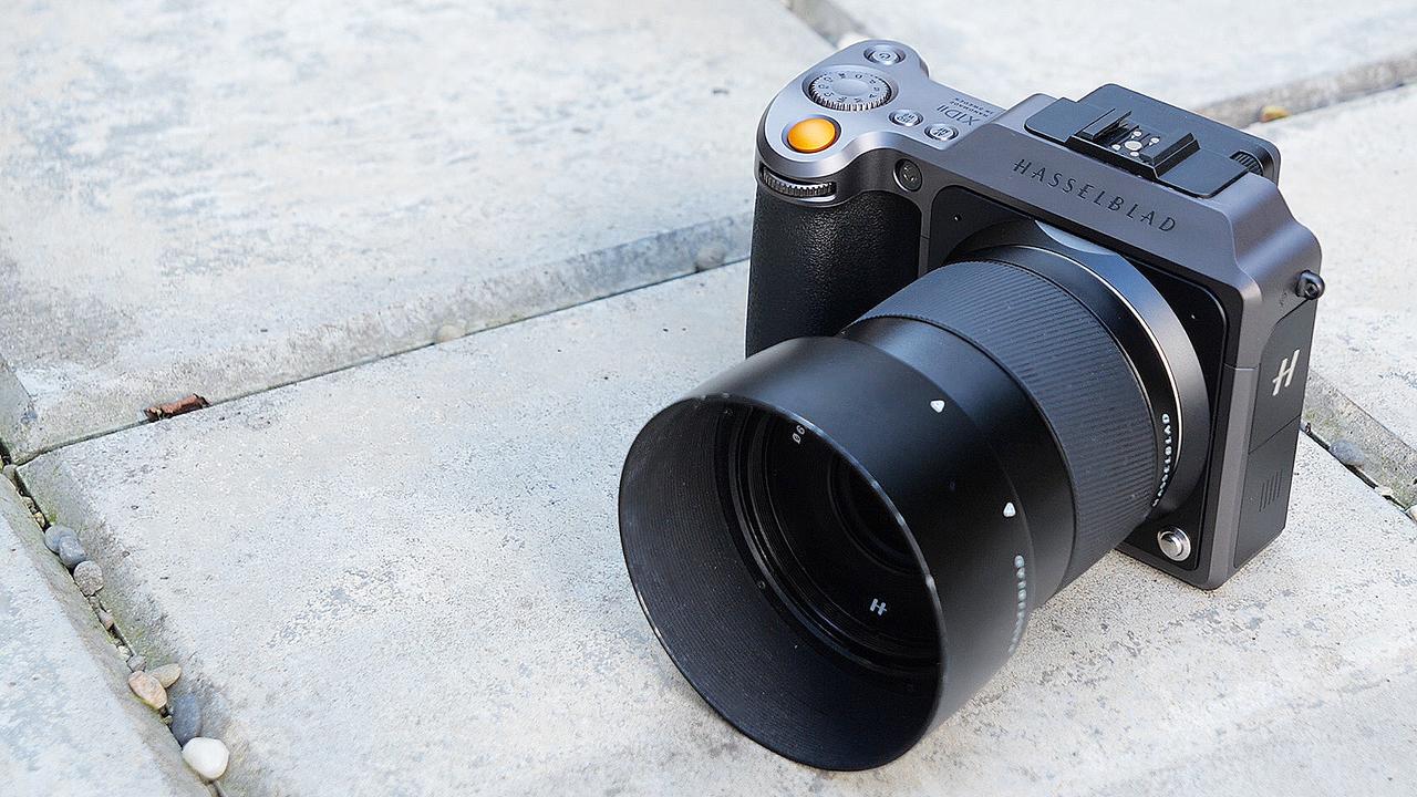 20代にはまだ早すぎた中判ミラーレスカメラ「X1D II 50C」ハンズオン【動画】