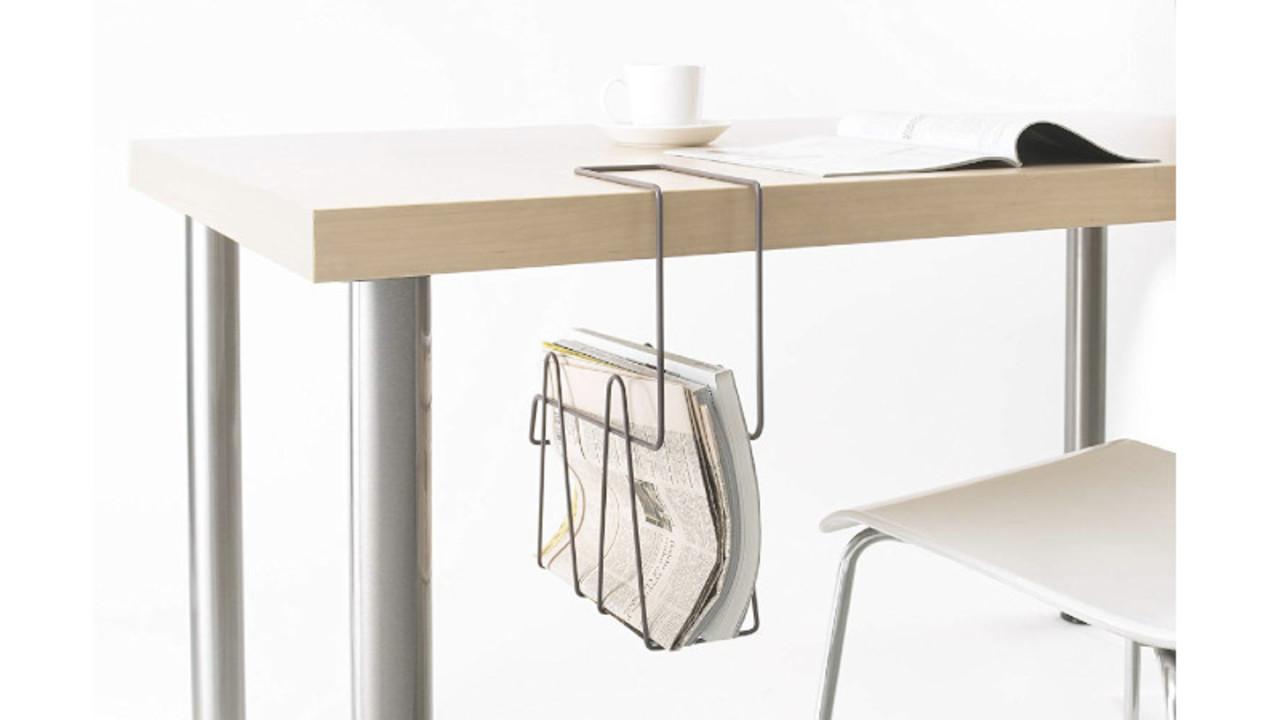 テーブルの上に置かない収納。雑誌や本はここに収納して取り出しやすく!