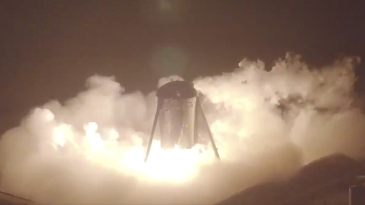 20m浮いた! SpaceXの次世代ロケット試作機「Starhopper」、初の命綱なしホップに成功!