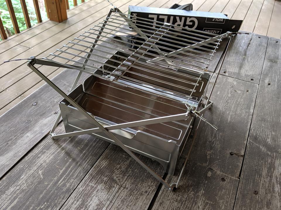 普段のバッグでも持ち運べる!? ポータブル性が素晴らしいBBQグリルと焚き火台「Grill M1」と「 Fire safe」を使ってみた