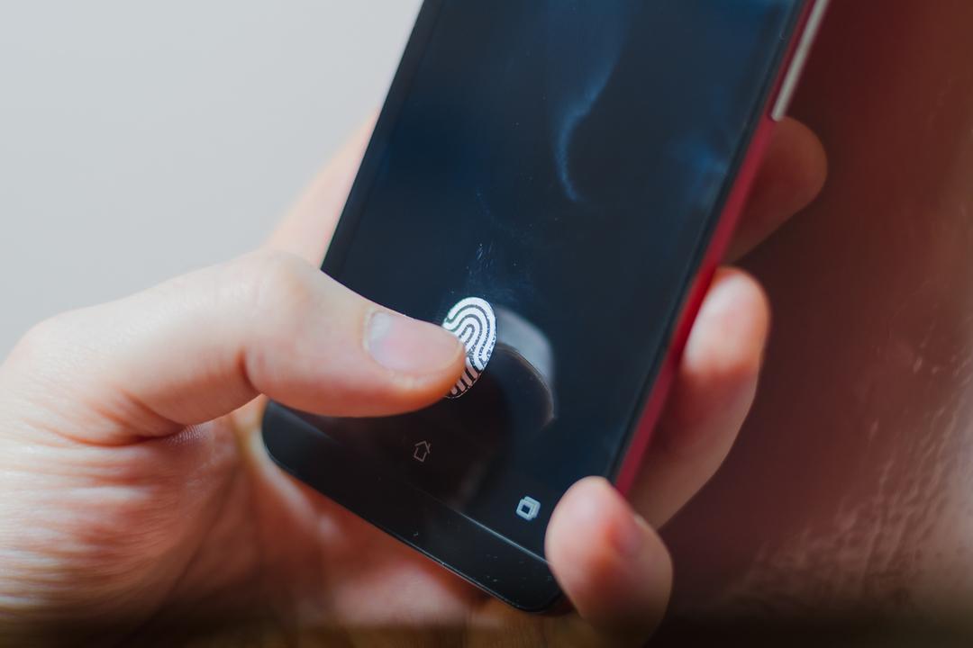 GoogleサイトにAndroidスマホの指紋認証でサインインが可能に