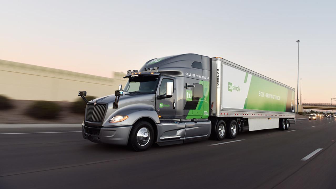 米運送会社、なんと5月から自動運転トラックを使ってた