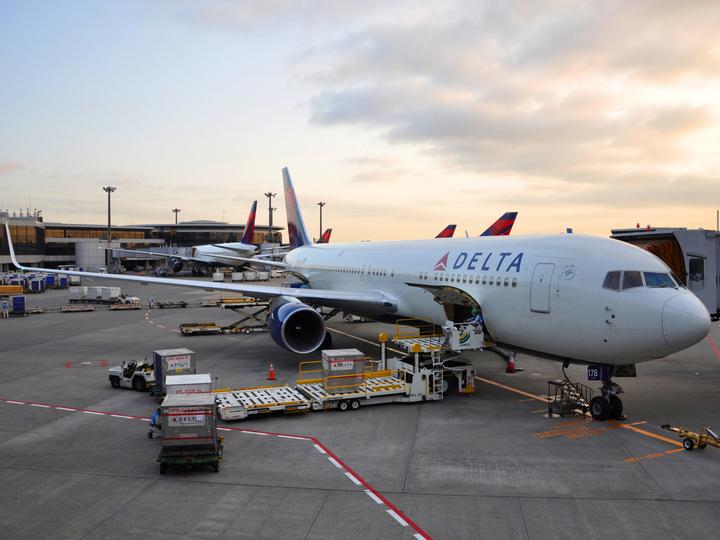 デルタ航空で乗客が一人だけという奇跡が起きる! しかしこの話には続きがあった...