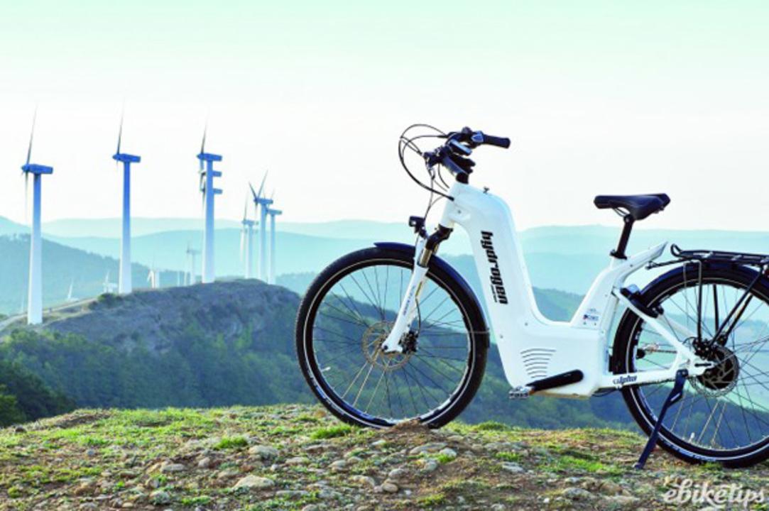 充電2分で150kmの距離を走る。水素を使った市場初の燃料電池アシスト自転車