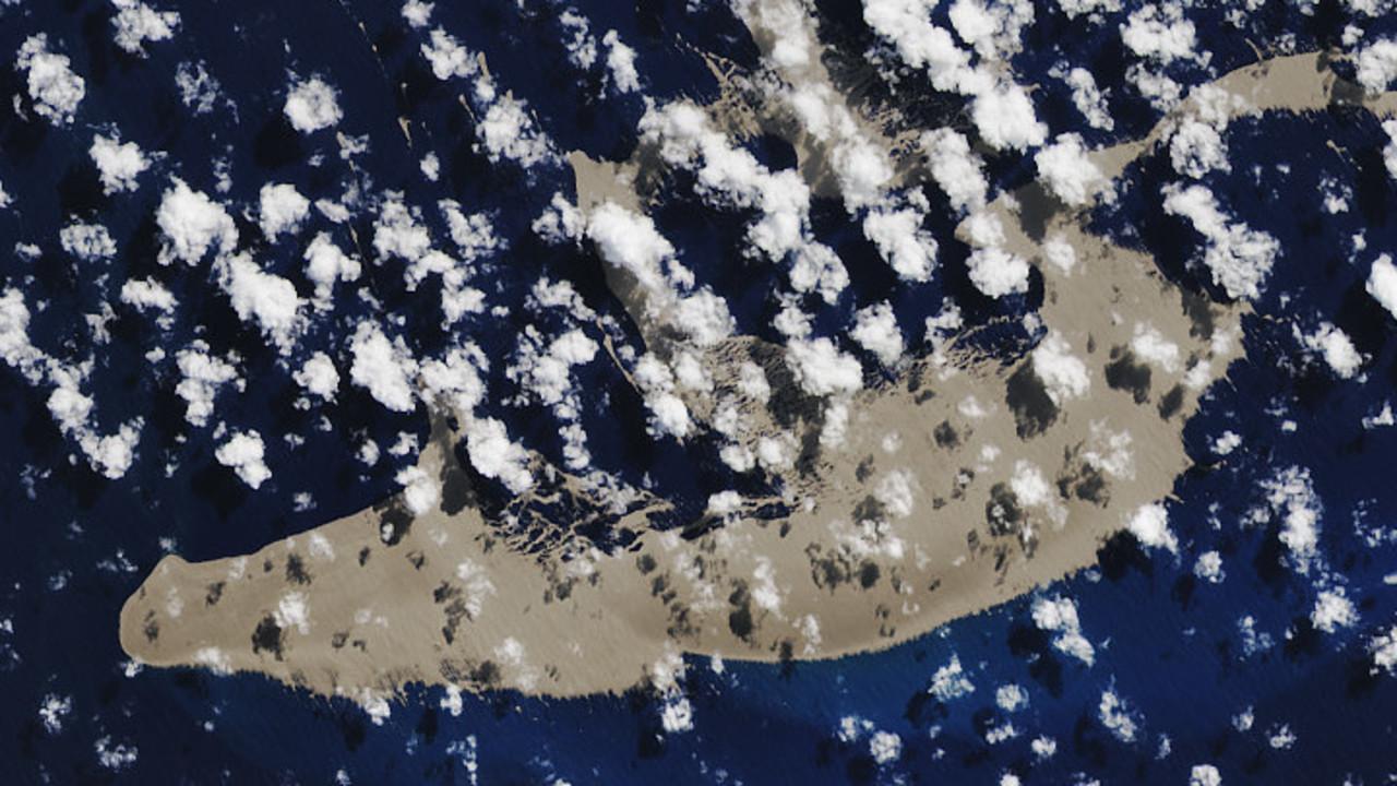 五輪プール6000個ぶんの軽石が太平洋に出現、豪に接近中
