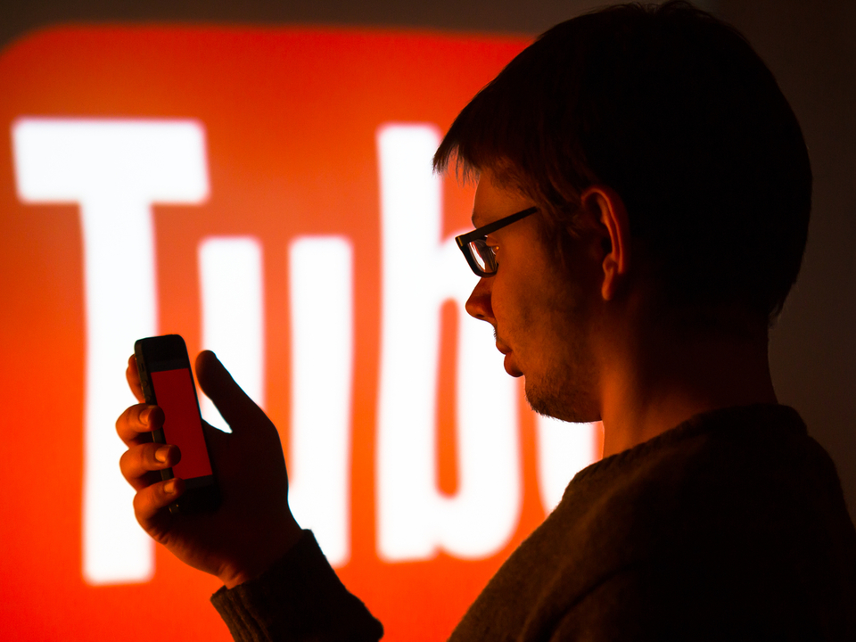 YouTube「オープンであるために、攻撃的な動画も受け入れる」