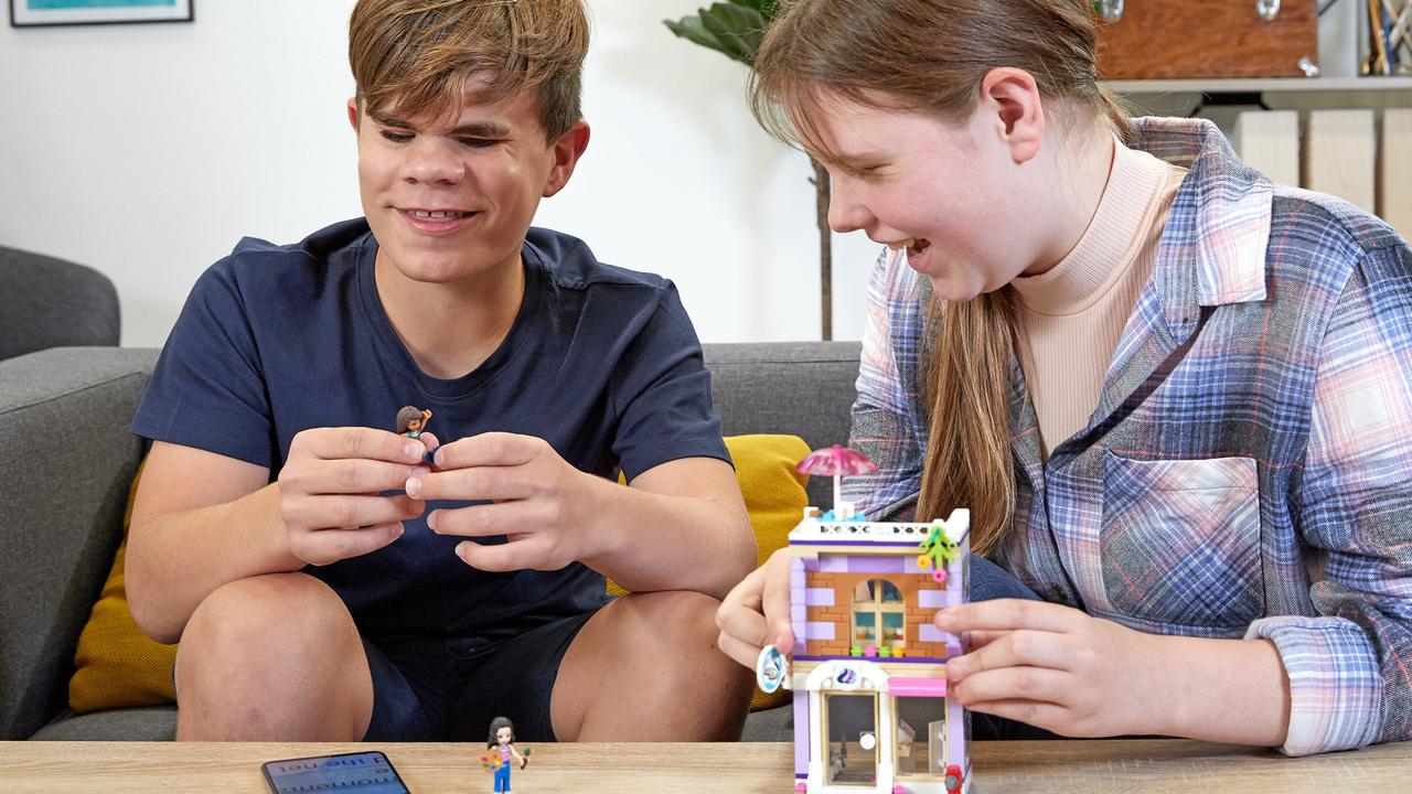 レゴはみんなのもの! 組み立てマニュアルを音声や点字リーダーにするプログラムが開始