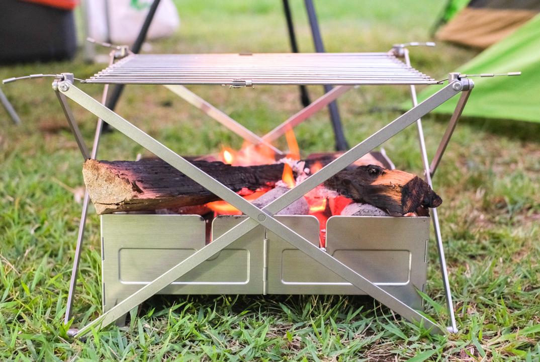 どこでも焚き火できちゃう! アウトドア大国カナダ発の秀逸キャンプギア 「Fire Safe 」&「Grill M1」を使ってみた