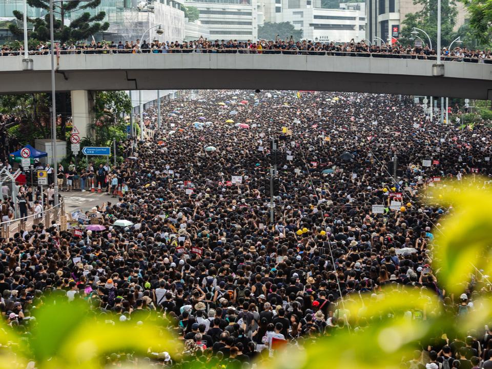 香港の抗議デモ団体のWebサイトがDDoS攻撃に! 黒幕はやはり…?