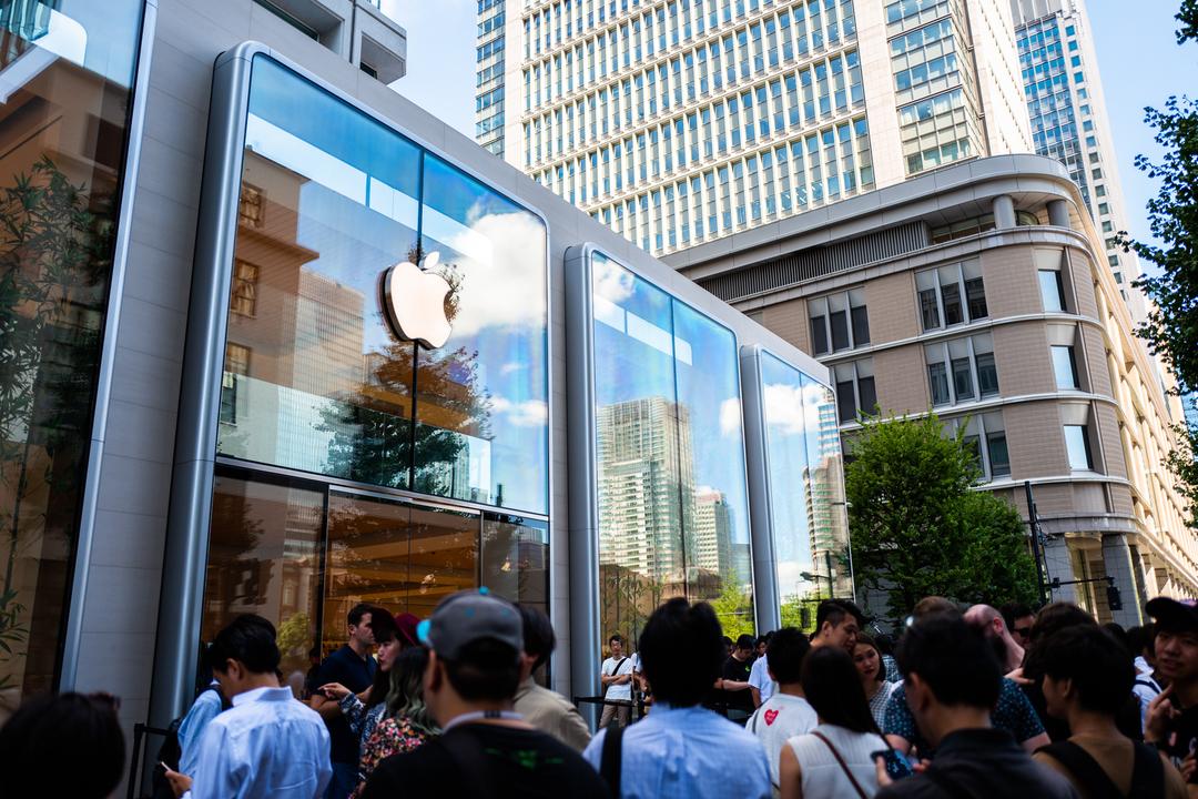 Apple 丸の内 オープン直後レポート:4つめ新世代ストア。デザインがそろそろ染み付いてきたよね