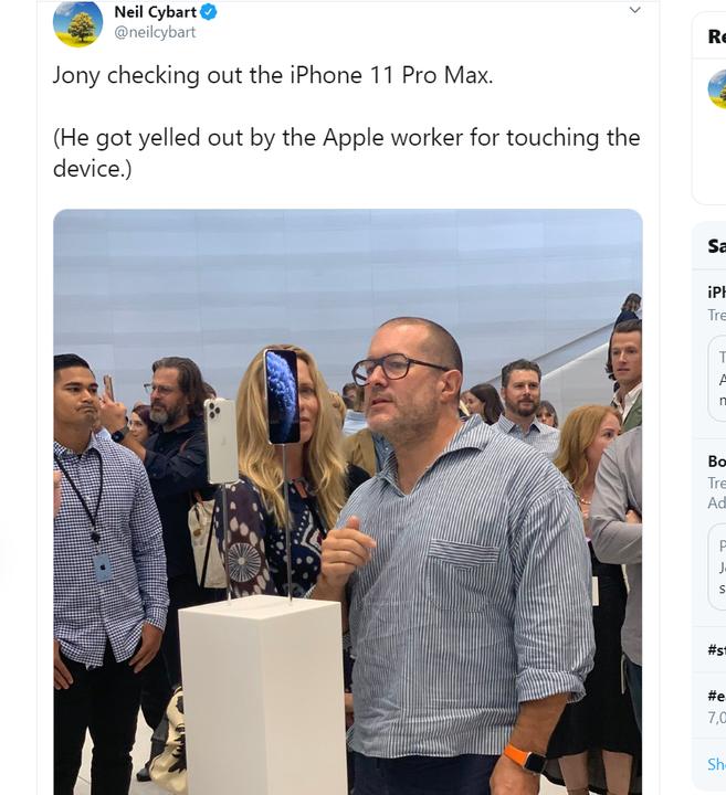 ジョニー・アイヴ、新iPhoneに近寄りすぎて注意される #AppleEvent