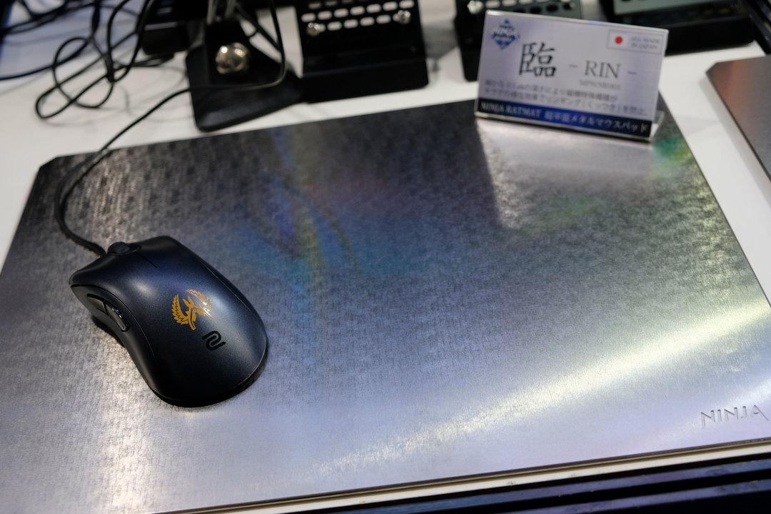 意外、それは鋼ッ! 工業製品並の平面さをもつメタルマウスパッドを触ってきた #TGS2019
