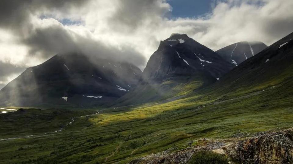 温暖化ヤバい...スウェーデンの山、雪が溶けて24メートルの高さを失う