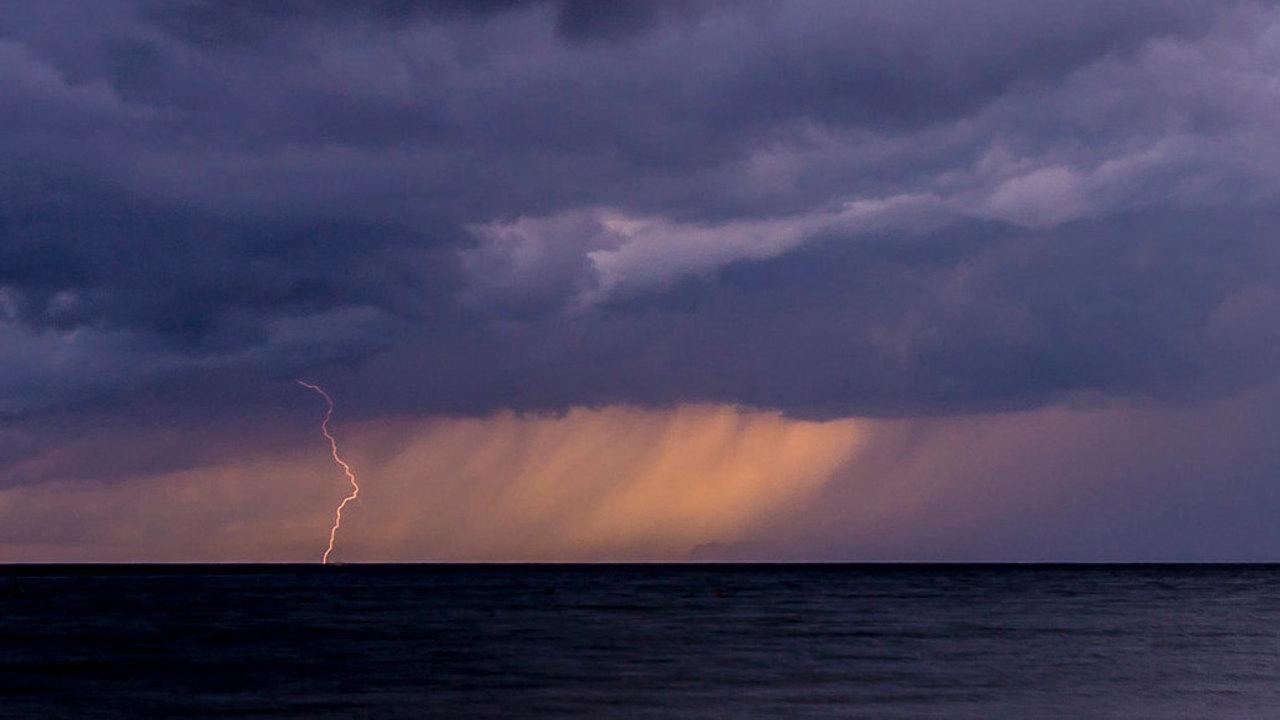 世界最強クラスの雷が日本に落ちているって知ってた?